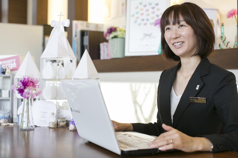 香川県高松市の小さな結婚式相談カウンターマリマリコンシェルジュの元プランナースタッフ