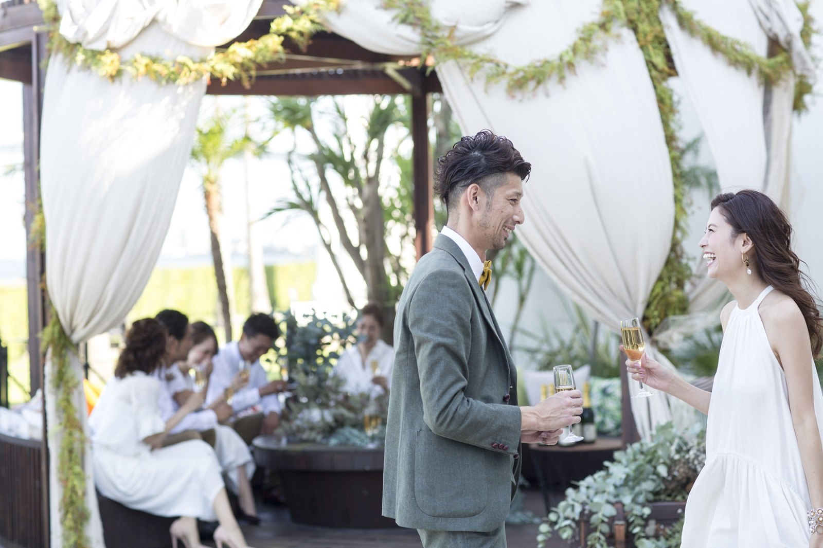 併設されたガーデンでの結婚式