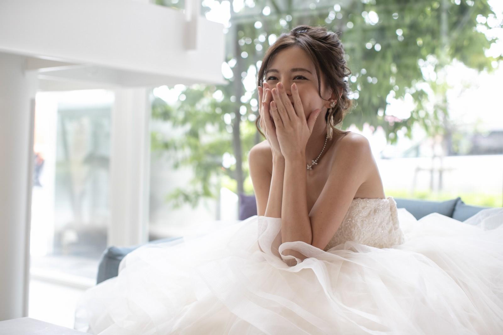香川県高松市の小さな結婚式相談カウンターマリマリコンシェルジュのウエディングドレス
