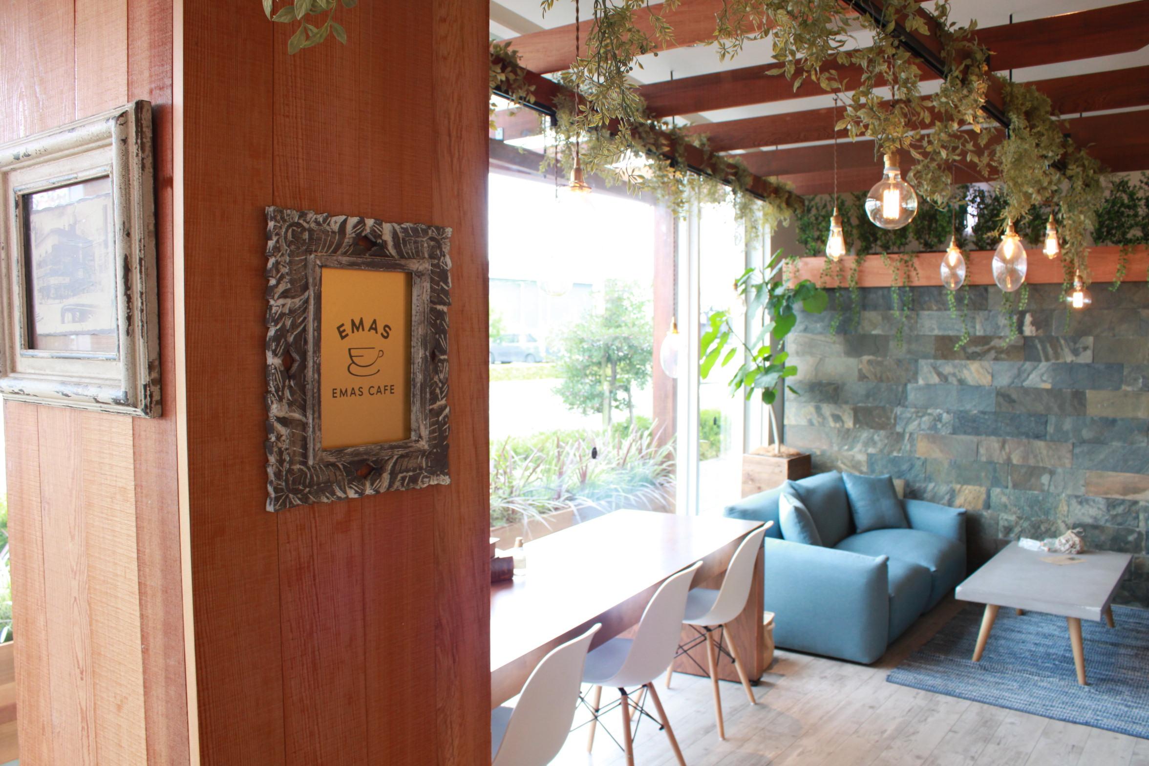 高松市内のカフェエマス