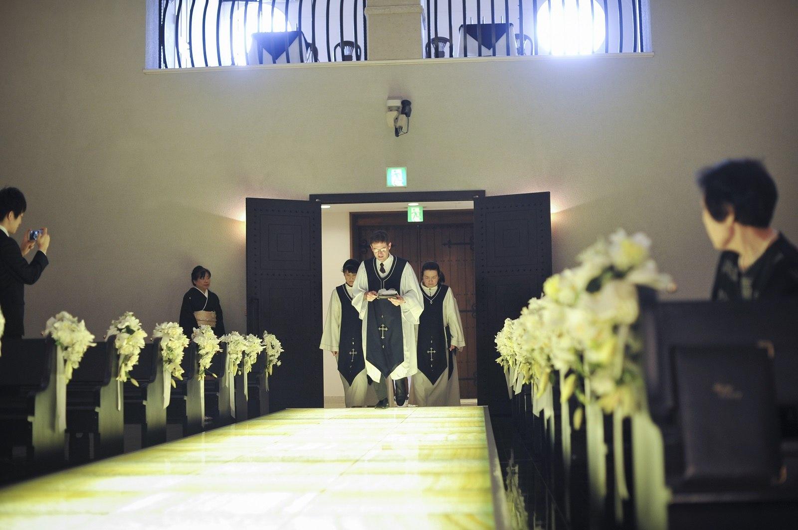牧師の入場