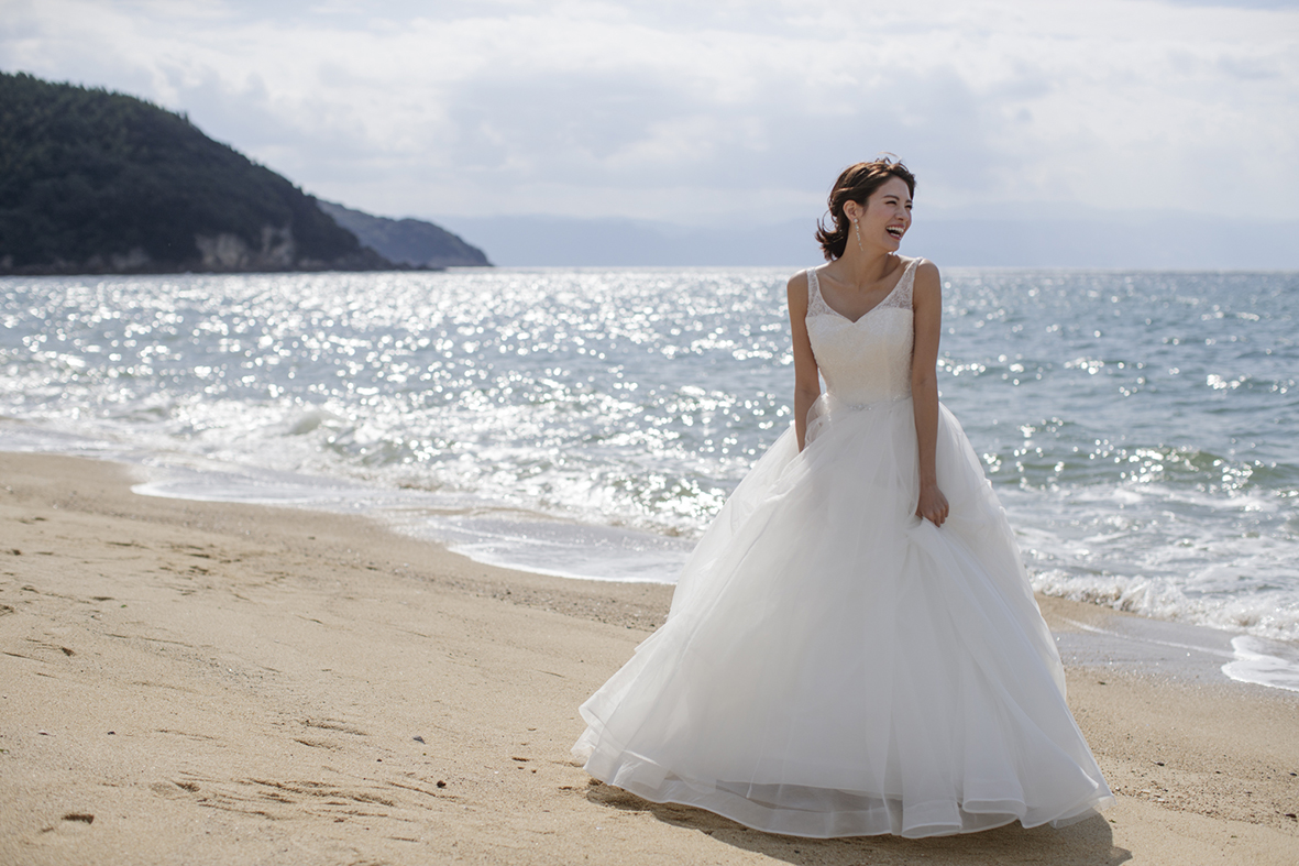香川県高松市の結婚相談カウンターマリマリコンシェルジュのドレス