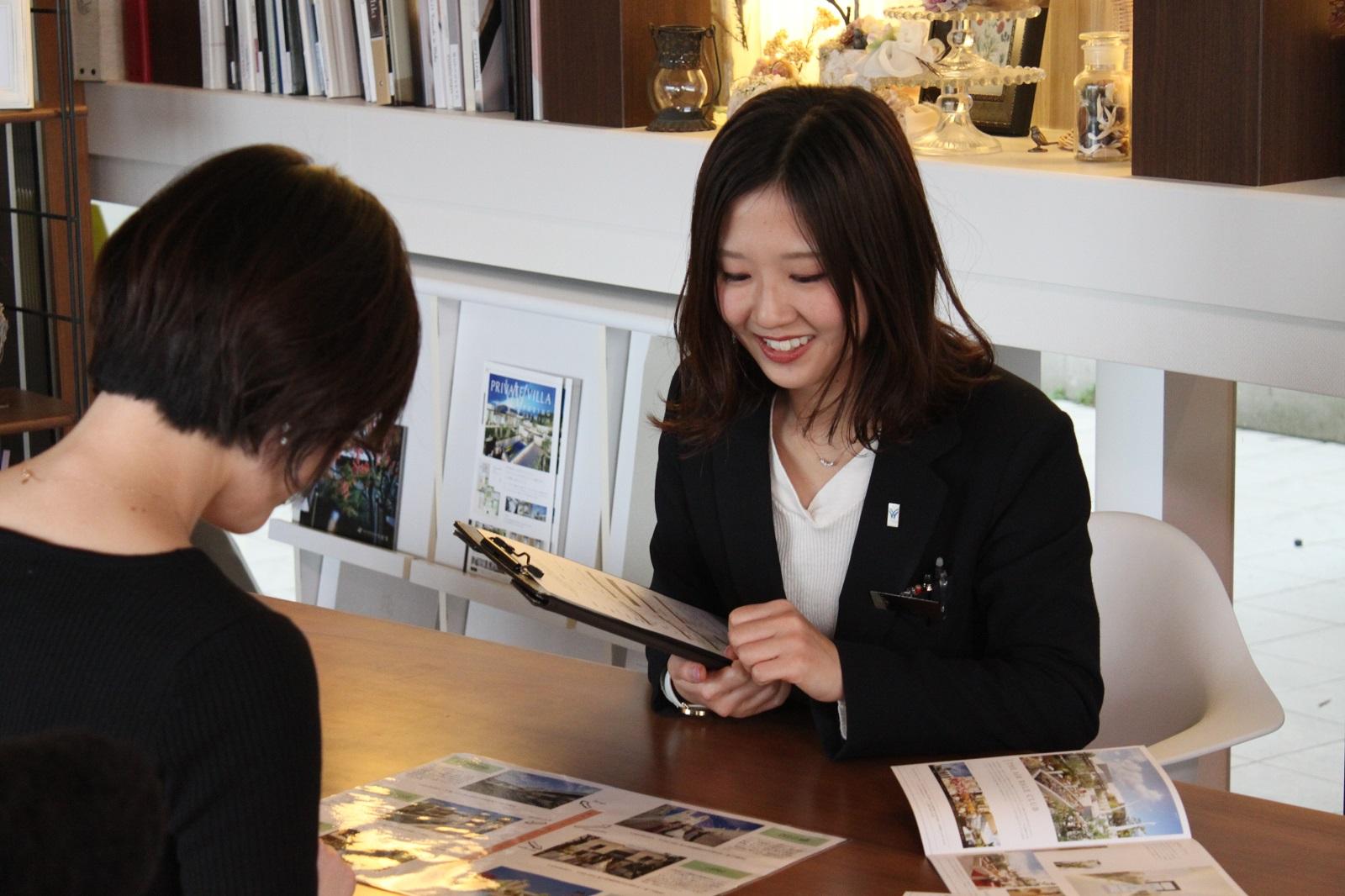 香川県高松市の小さな結婚式紹介所マリマリコンシェルジュのスタッフがお客様のご要望をヒアリング