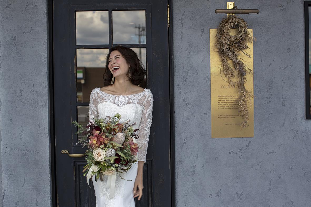 香川県高松市の結婚相談カウンターマリマリコンシェルジュで選べるアンティークドレス